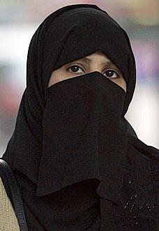Risultati immagini per burqa kuwait